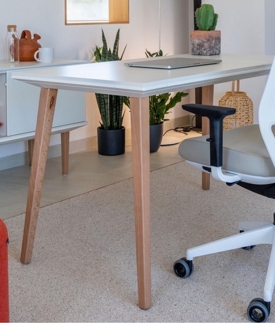 Mesa patas de madera