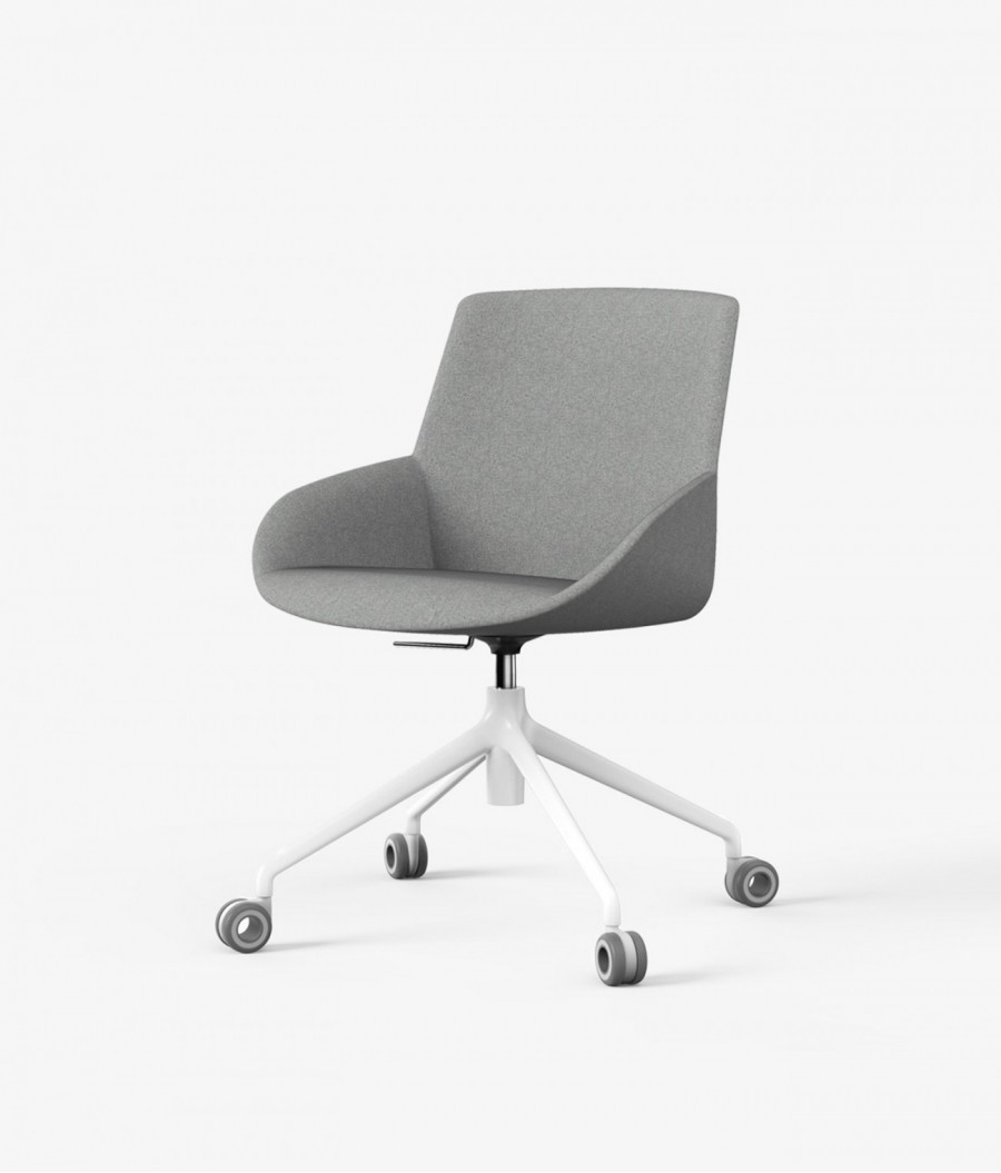 Butaca gris con ruedas perspectiva