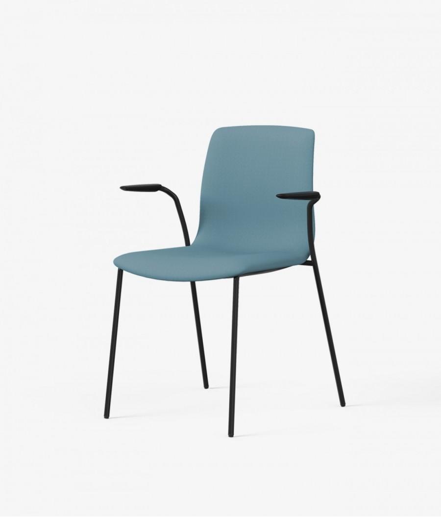 silla tapizada azul perspectiva