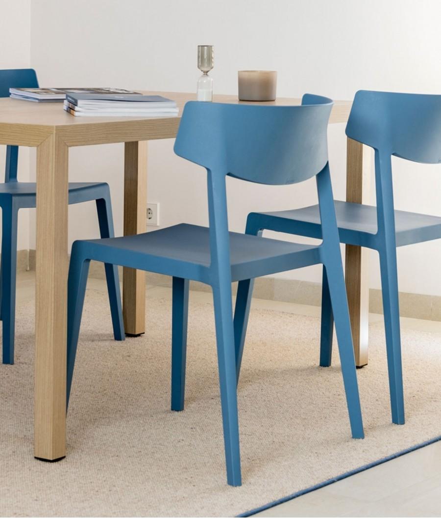 silla azul perspectiva azul