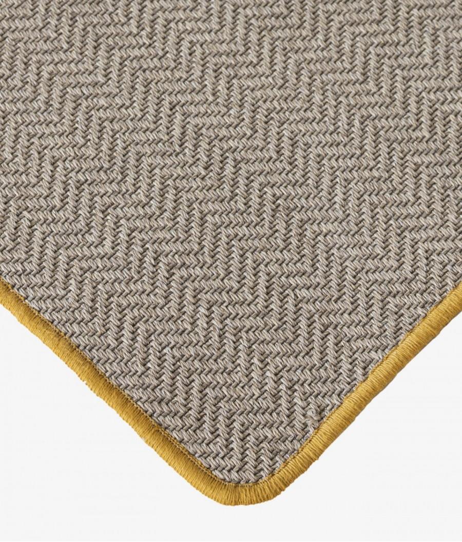 alfombra reciclada mostaza